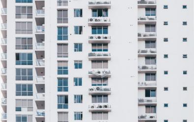 Perbedaan Kondominium dan Apartemen, Apa Sih