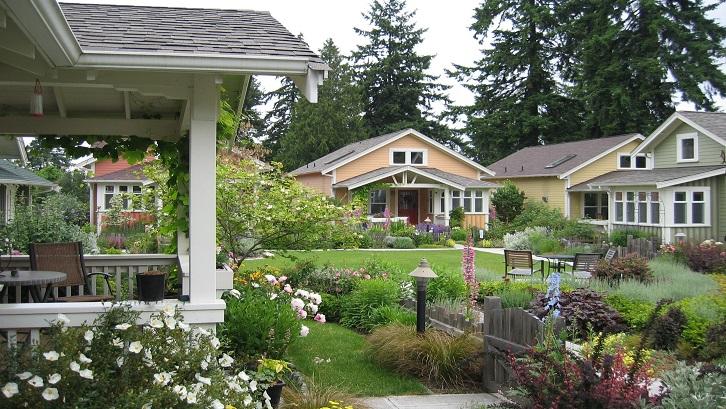 Selama ini rumah cluster sering dianggap mirip dengan townhouse, tapi keduanya berbeda. Sumber: Medium