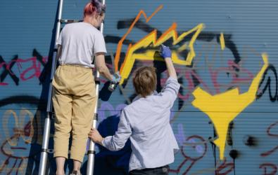 Sejarah Mural di Indonesia dan Perbedaanya dengan Grafitti