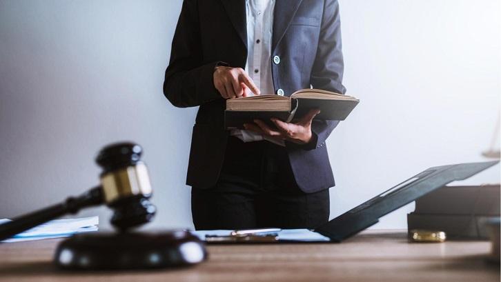 Berdasarkan Hukum Perdata, ada dua golongan yang disebut sebagai ahli waris. Sumber:Pinterest