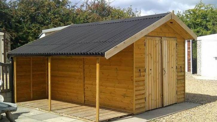 Sesuaikan penggunaan atap dengan budget yang Anda miliki. (Foto: Onduline UK)