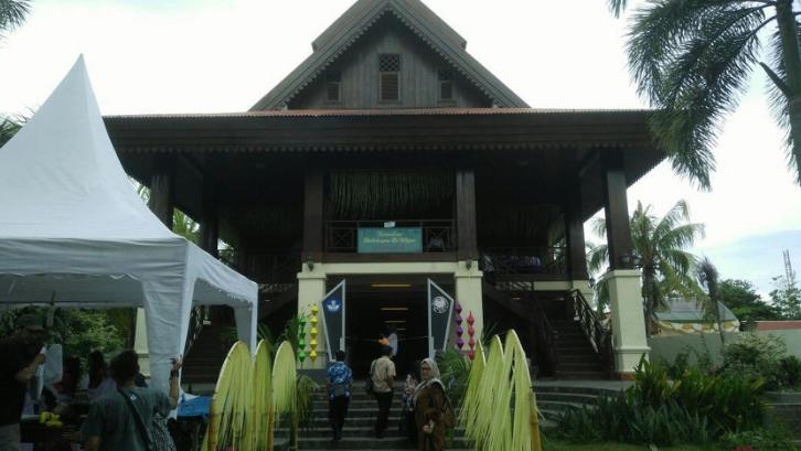 Rumah Dulohupa merupakan salah satu rumah adat Gorontalo yang sangat dikenal. (Foto: Kemdikbud Kebudayaan)