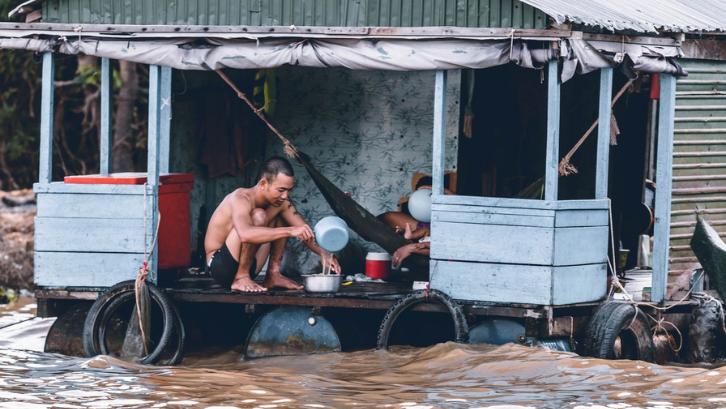 Masyarakat miskin hidup di perumahan yang tidak layak. (Foto: Pexels - Hitesh Choudhary)