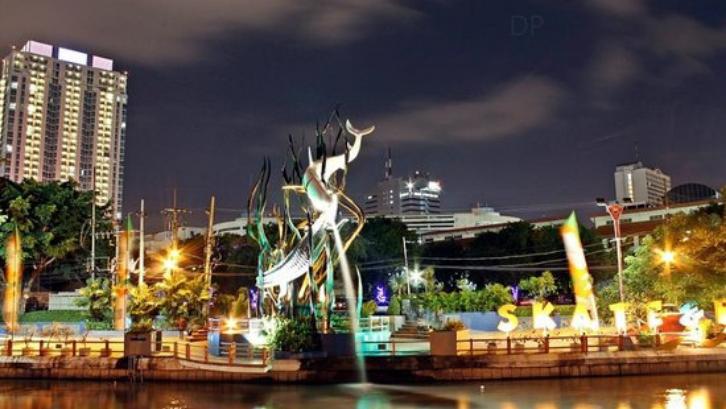Sejak dipimpin oleh Tri Rismaharini, Surabaya berhasil menjadi salah satu kota yang bersih dan indah. (Foto: TripAdvisor)