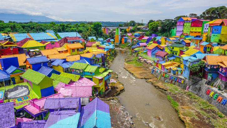 Taman Trunojoyo di Malang sangatlah bersih dan terawat. (Foto: Finding Beyond)