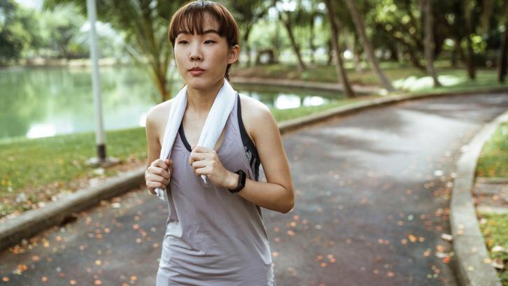 Berolahraga secara rutin sangat baik untuk kesehatan tubuh Anda. (Foto: Pexels - Ketut Subiyanto)
