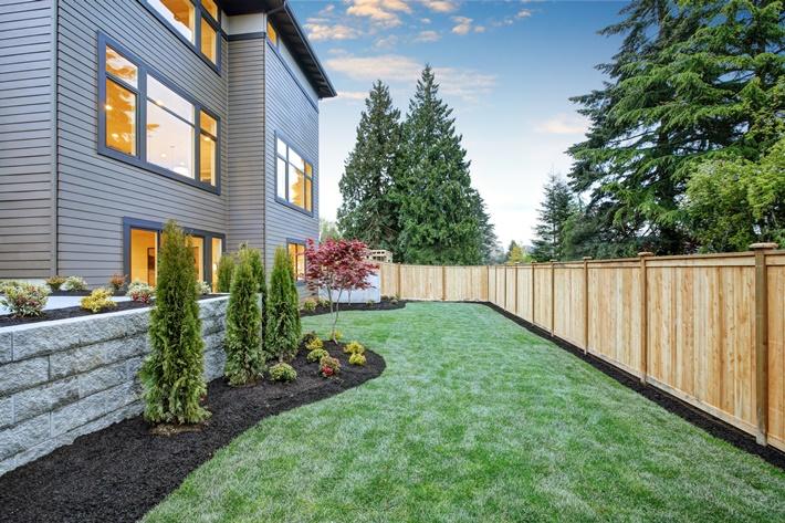 3 ข้อควรรู้ ซื้อบ้านจัดสรร ทุบรั้ว-ขยายที่ดิน-ทาสี-ต่อเติมบ้านได้ไหม