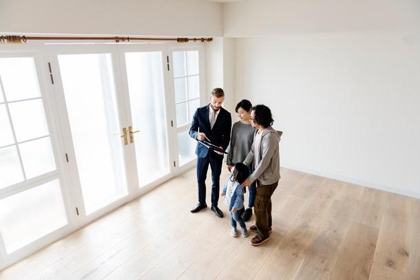วิธีฝากขายบ้านกับนายหน้าต้องพิจารณาหลายด้าน