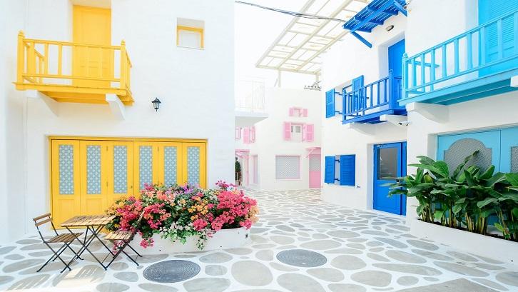 Warna ini termasuk warna netral klasik yang sempurna untuk ruangan apapun. Sumber: Pexels - Tirachard Kumtanom