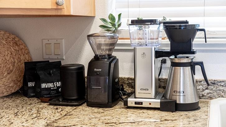 Anda tidak perlu memikirkan untuk membeli blender begitu memiliki perangkat ini di dapur Anda. Sumber: Unsplash - Daniel Norris