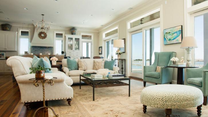 Kombinasi warna beige dan hijau akan memunculkan sebuah kesan natural yang meneduhkan. (Foto: Impressive Interior Design)